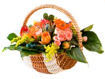 Korb mit Blumen Lizenzfreies Stockbild