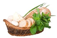 Korb mit Brot Stockbilder
