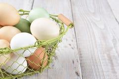 Korb von Eiern Lizenzfreie Stockbilder
