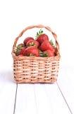 Korb von Erdbeeren Lizenzfreies Stockfoto