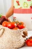 Korb von Tomaten Stockbild