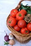Korb von Tomaten Stockfotografie