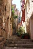 Korcula狭窄的街道  免版税库存图片