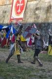Kordzik walka między rycerzami w jarmarku Zdjęcie Royalty Free