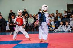 Taekwondo rywalizacje między dziećmi Obraz Stock