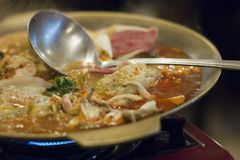 Koreański klucha gulasz, mandu-jeongol obraz royalty free