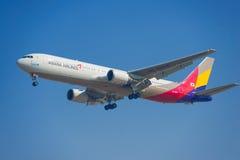 Korea Asiana Airlines flygplan Arkivbilder