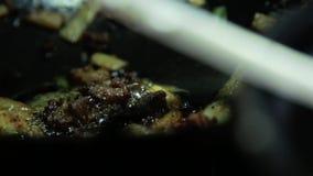 Korea mat i varm pannakoreanrestaurang stock video