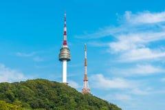 Korea Namsan torn i Seoul, Sydkorea Royaltyfria Foton