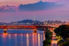 Korea Seoul på natten, Sydkorea stadshorisont Arkivbilder