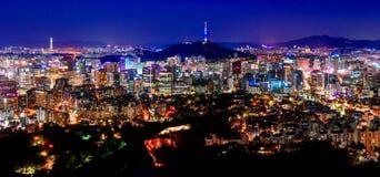 Korea, Seoul stad och namsan torn Arkivbild