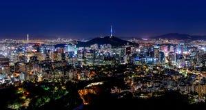 Korea Seoul stadshorisont och Seoul står högt Royaltyfri Fotografi