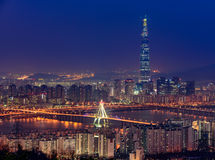 Korea-, Seoul-Stadtskyline und Lotte World-Mall stockfoto