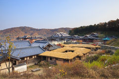 Koreaans architectuurdetail in de stad van Seoel Stock Foto