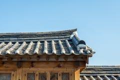 Koreaans stijlmuur en dak in dorp Zuid-Korea Stock Foto's