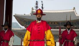 Koreaanse oude strijder bij de hoofdingang Royalty-vrije Stock Foto's
