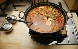 Koreaanse soep stock fotografie
