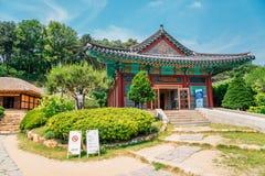 Koreaanse traditionele architectuur bij literair dorp van Kim u jeong stock foto's
