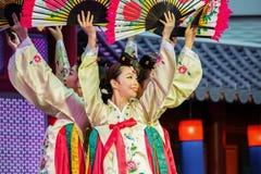Koreaanse traditionele dans Stock Afbeelding