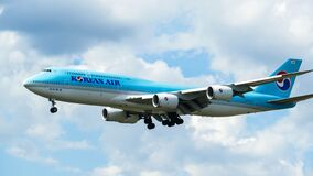 Free Korean Air Boeing 747-8 Arriving In Frankfurt Stock Image - 171722031