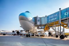 Korean Air Boeing 747 on the aircraft parking stand in Vaclav Ha Stock Photography