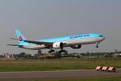 Korean Air Boeing 777-3B5/ER Stock Photo