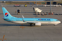 Korean Air Boeing 737-800 Nagoya flygplats Royaltyfria Foton