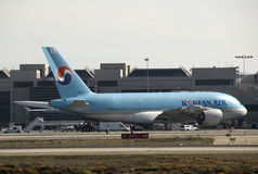 A380 Korean Air chez LAX Image stock