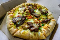 Koreanische BBQ-Pizza lizenzfreies stockfoto