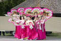 Koreanische ethnische Tanzleistung stockbilder
