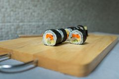 Koreanische Sushi-Rolle Kimbap Stockfotografie