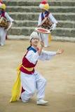 Koreanische Volkstänzer und Musiker Stockfotografie