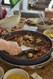 Koreanischer kühler Topf des gebratenen Reises der Wanne stockfotografie
