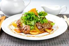 Koreanischer Salat mit Ei und Meeresfrüchten Lizenzfreie Stockfotos