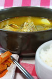 Koreanischer Schweinefleisch-Knochen und Kartoffelsuppe Stockfotos
