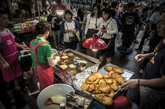 Koreanischer Straßenlebensmittelmarkt stockfoto