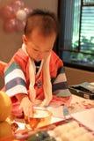 Koreanisches Schätzchen auf seinem ersten Geburtstag Stockfotografie