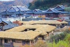 Koreansk arkitekturdetalj i den seoul staden Arkivbild
