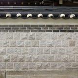 Koreansk stilvägg med det dekorativa taket Royaltyfri Bild