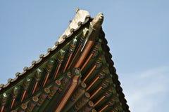 Koreansk traditionell arkitektur, himmel, asiatiskt tak Arkivbild
