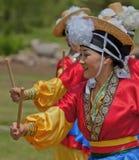 Koreanska kvinnadansare deltar i kulturell beröm Royaltyfri Bild