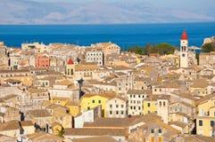 22 Korfu-AUGUSTUS: Panorama van de Oude Stad van Korfu van de Nieuwe Vesting op 22 Augustus, 2014 op het eiland van Korfu, Grieke Stock Afbeeldingen