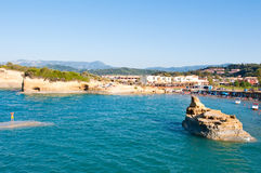 26 Korfu-AUGUSTUS: Sidarytoevlucht met beroemde inhammen van het Kanaal D'Amou op 26,2014 Augustus op het eiland van Korfu, Griek Stock Foto
