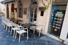 22 Korfu-AUGUSTUS: Traditioneel Grieks restaurant op het eiland van Korfu op 22 Augustus, 2014 in Kerkyra, Griekenland Stock Afbeeldingen