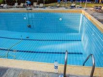 KORFU GREKLAND - JULI 12, 2011: Hotellpersonalen har gjort ren Royaltyfria Bilder