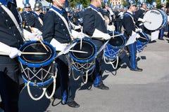 KORFU, GRIECHENLAND - 30. APRIL 2016: Philharmonische Musiker, die in den Feiertagsfeiern Korfus Ostern spielen Lizenzfreies Stockfoto