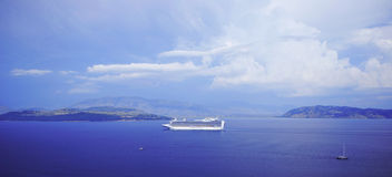 Korfu, het schip van de Kruiser Stock Fotografie