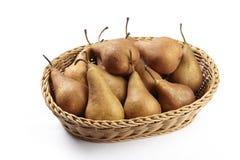 Korg av undantog päron - Arkivbilder