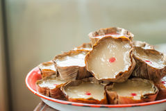 Korg-formad kinesisk pudding Royaltyfria Bilder