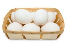 Korg med ägg Arkivfoto